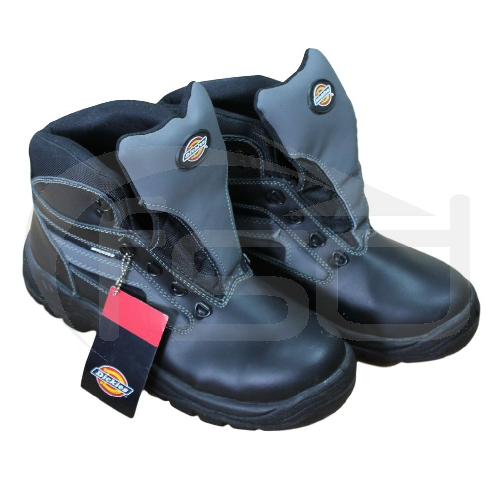 Dickies Severn Safety Boot Sizes 9. Brand new, no box or laces.